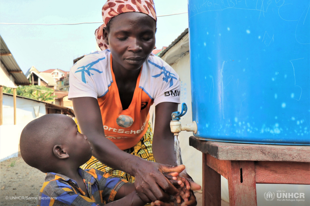 DRC-handwashing-mother-and-child